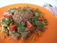 Indyk z kaszą gryczaną i warzywami