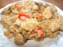 Indyk z ryżem i papryką