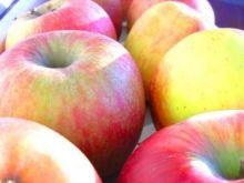 Jabłka nadziewane twarożkiem ze śmietaną