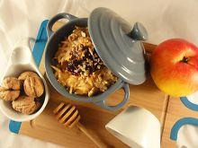 Jabłka zapiekane z żurwainą, miodem i orzechami