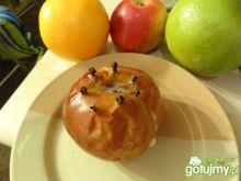 Jabłko pieczone z goździkami