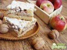Jabłkowe ciasto z orzechową bezą