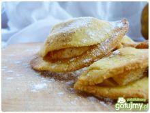 Jabłkowe pierożki z cynamonem