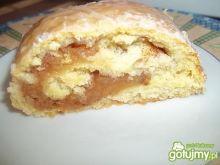 Jabłkowo-cynamonowa rolada drożdżowa