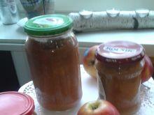 Jabłkowy mus z dodatkiem cynamonu