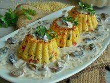 Jaglane muffinki z kremowym sosem grzybowym