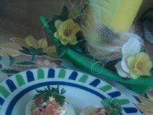 Jaja faszerowane salsą z awokado