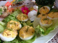 Jajeczka zapiekane pod serem