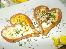 Jajeczne serca na śniadanie