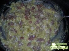 Jajecznica na cebuli i kiełbasie