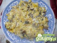 Jajecznica na opieńkach