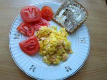 Jajecznica na szynce i cebuli