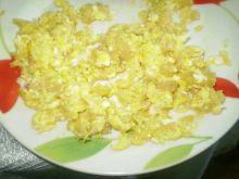jajecznica z bułeczka
