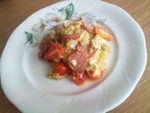 Jajecznica z kiełbasą i oregano