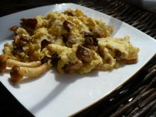 Jajecznica z kurkami