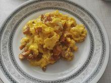 Jajecznica z kurkami i cebulką