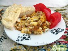 Jajecznica z kurkami wg Koper