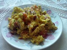 Jajecznica z pomidorem