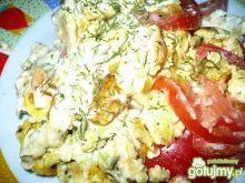 Jajecznica z serem pleśniowym