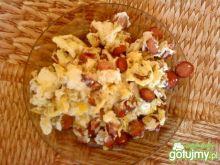 jajeczniczka z kabanosem i serkiem topio