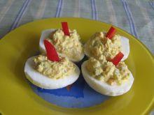 Jajka faszerowane łososiem i ogórkiem