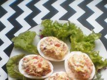 Jajka faszerowane makrelą i pomidorem