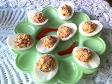 Jajka faszerowane papryką