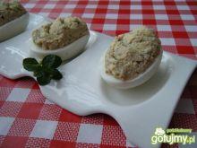 Jajka faszerowane pastą