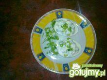 Jajka faszerowane pastą serowo-chrzanową
