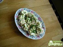 Jajka faszerowane pastą z łososia
