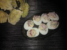 Jajka faszerowane pietruszką i rzodkiewką