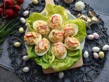 Jajka faszerowane rzodkiewką i świeżym ogórkiem