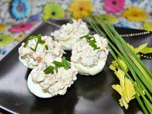 Jajka faszerowane sałatką