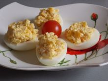 Jajka faszerowane serem i kukurydzą