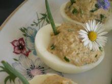 https://www.gotujmy.pl/ri/73133_jajka-faszerowane-tunczykiem_0_1.jpg