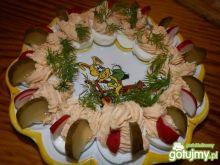 Jajka faszerowane z pasztetem i serkiem