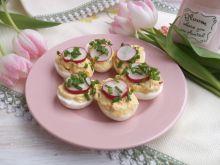 Jajka nadziewane awokado i rzodkiewką