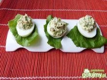 Jajka nadziewane pastą brokułową