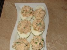 Jajka nadziewane wędzonym kurczakiem