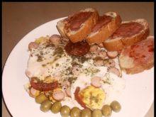 Jajka sadzone na parówkach by Noruas