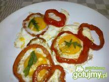 Jajka sadzone z papryką.