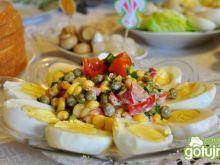 Jajka w majonezie z warzywami