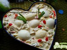 Jajka w sosie chrzanowym z warzywami