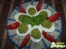 Jajka z bazylią