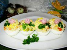 Jajka z farszem sałatkowym
