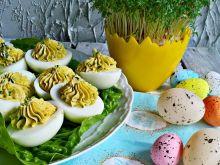 Jajka z guacamole i szczypiorkiem