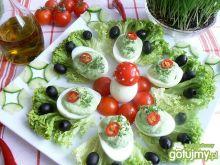 Jajka z jogurtem na zielono