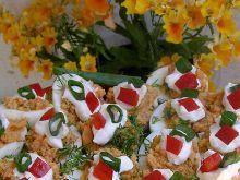 Jajka z rybką w pomidorach