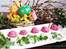 Jajka z rzeżuchą i ćwikłą