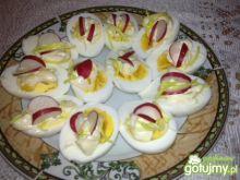 Jajka z rzodkiewką i porem